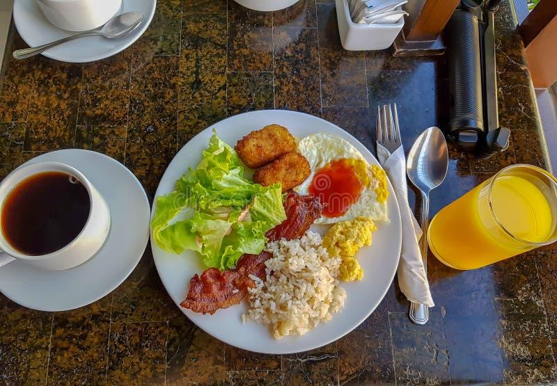 Het ontbijt van het toevluchtbuffet stock afbeeldingen