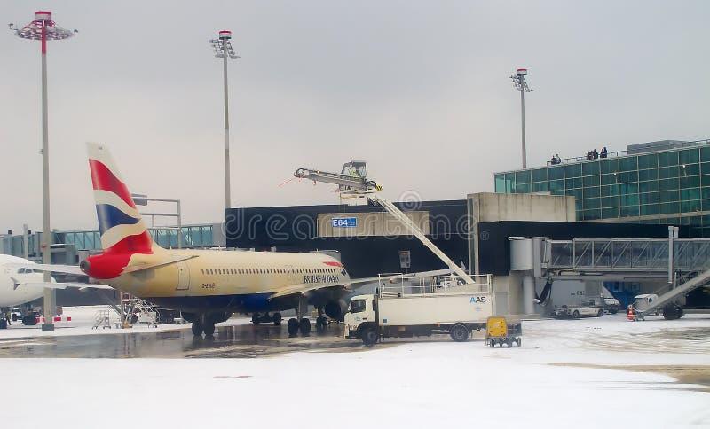 Het ontijzelen vliegtuig vóór start royalty-vrije stock foto