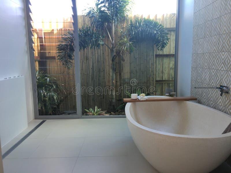 Het ontspannen badkamers stock foto's