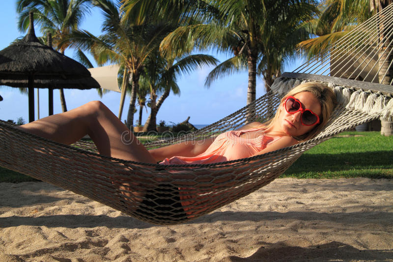 Het ontspannen in paradijs stock foto's