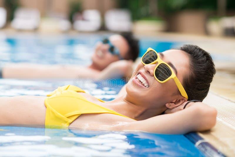 Het ontspannen in water royalty-vrije stock foto