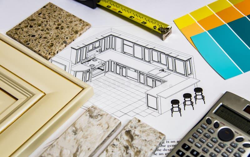 Het ontwerp van de keukenvernieuwing met het remodelleren van selectie van keukendeuren, countertops en kleurenverf stock foto