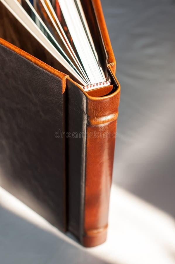 Het ontwerp van het het leeralbum van het huwelijk stock foto's