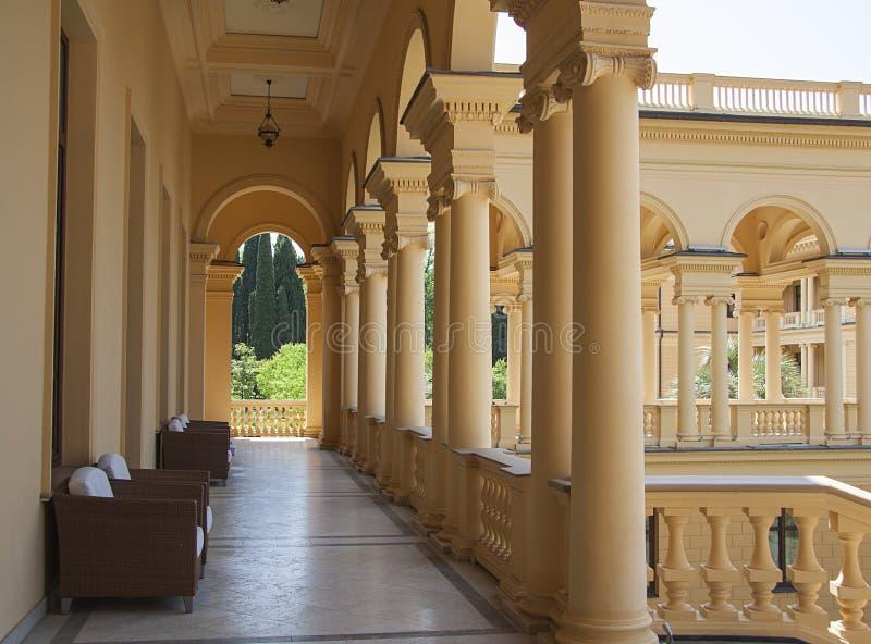 Het ontwerp van het luxekasteel in modern sanatorium royalty-vrije stock fotografie