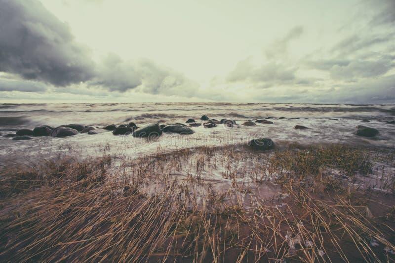Het onweer in de Oostzee stock afbeeldingen