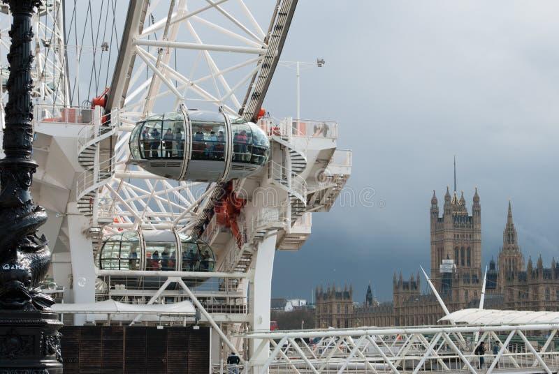 Het Oog van Londen en Huizen van het Parlement royalty-vrije stock afbeelding