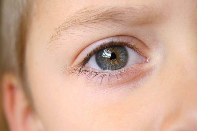 Het oogclose-up van de jongen royalty-vrije stock foto