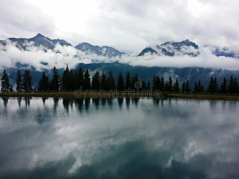 Het Oostenrijkse prachtige beeld van Tirol van de zomer stock fotografie