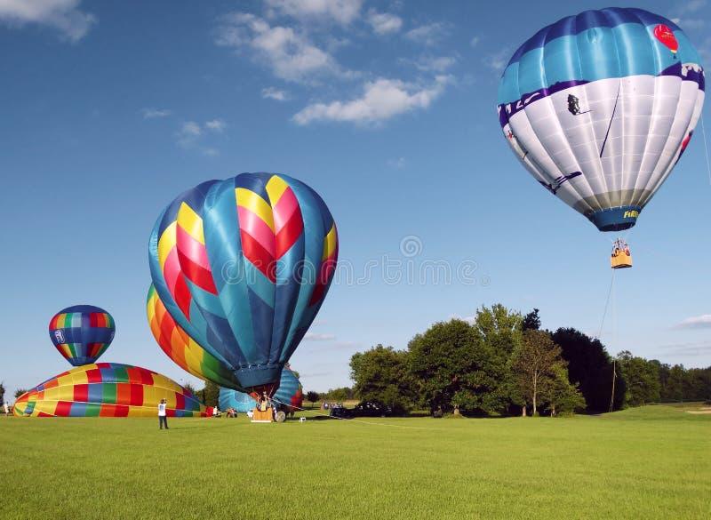Het opblazen van Hete Luchtballons royalty-vrije stock afbeelding