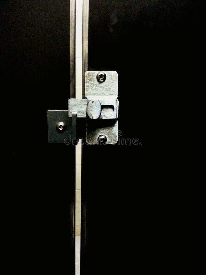 Het openbare toilet van het deurslot royalty-vrije stock afbeeldingen