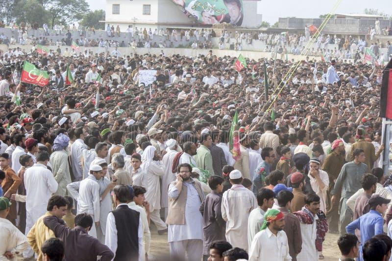 Het openbare verzamelen zich van een politieke partij in Pakistan stock fotografie