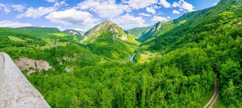 Het openen van het landschap van de brug Djurdjevic royalty-vrije stock fotografie