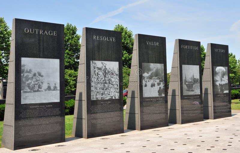 Het opgepoetste gedenkteken van de granietoorlog stock afbeeldingen