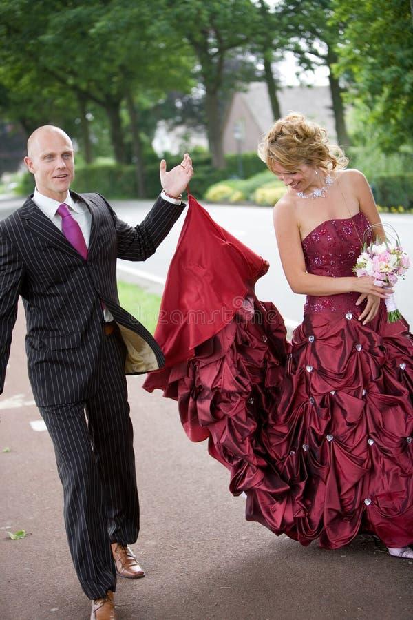 Het opnemen van haar kleding royalty-vrije stock afbeelding