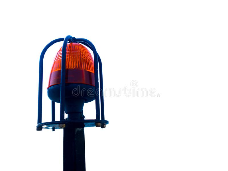 Het Oranje die licht van de Sirenenoodsituatie op staalpool op witte achtergrond wordt geïsoleerd stock foto
