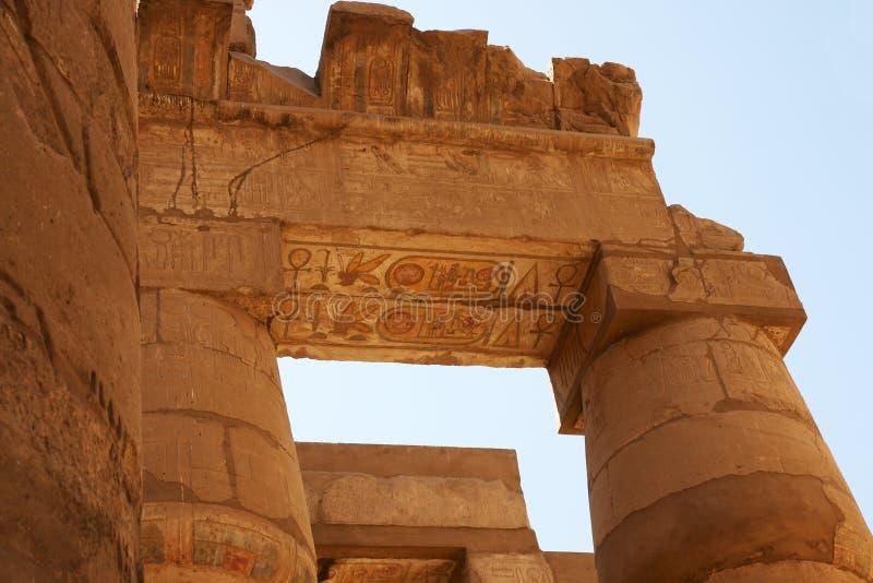 Het ornament van de kleur van tempel Karnak. Luxor. Egypte. stock fotografie