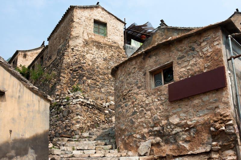 Het oude baksteenhuis van het oude dorp stock foto