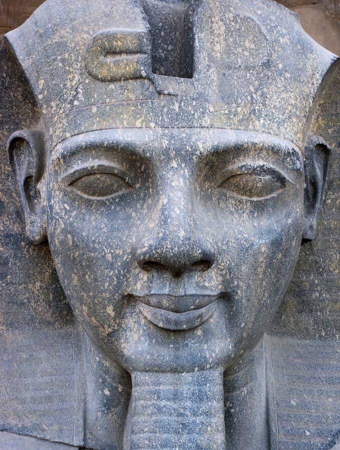 Het oude Gezicht van het Standbeeld van Egypte van de Close-up van de Farao stock afbeelding