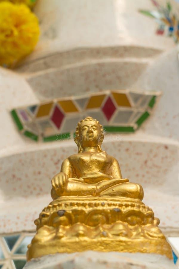 Het oude goede standbeeld van Boedha stock fotografie