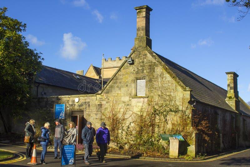 Het oude kloosterdiegebouw aan het stadhuis van Bangor in Noord-Ierland wordt bijgevoegd stock foto's