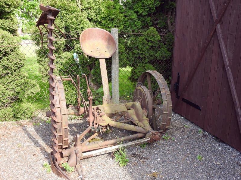 Het oude mechanisme werkte met hooi, Litouwen stock foto's