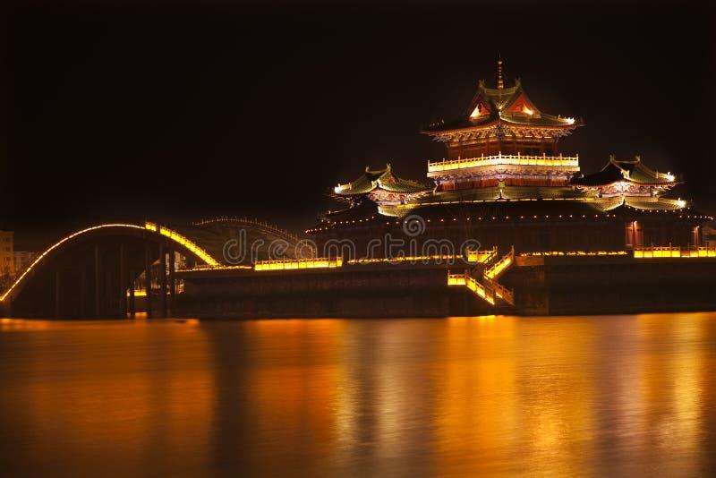 Het oude Meer het Kaifeng China van Jinming van de Nacht van de Tempel royalty-vrije stock foto's