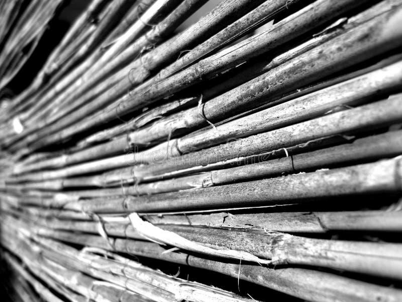 Het oude riet hangen van het terras stock afbeeldingen