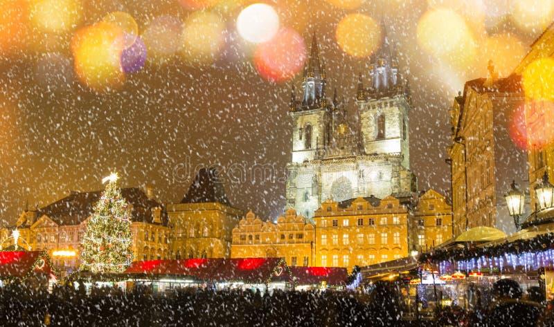 Het Oude Stadsvierkant in Kerstmistijd stock fotografie
