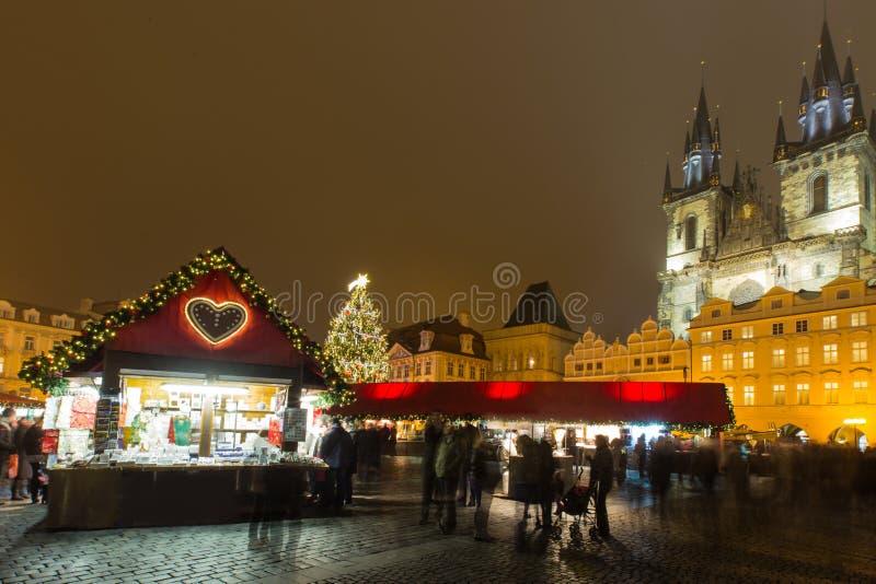 Het Oude Stadsvierkant in Kerstmistijd royalty-vrije stock fotografie
