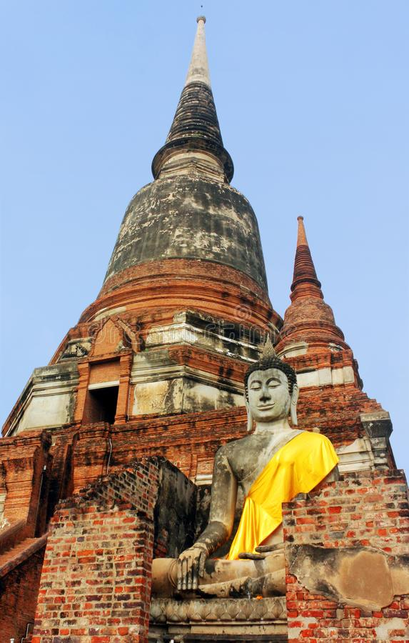 Het oude standbeeld van Boedha in de tempel Wat Phra Sri Sanphet Ayutthaya, Thailand stock foto's