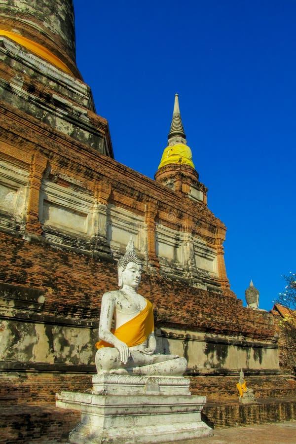 Het oude standbeeld van Boedha in het Historische Park van Autthaya in Thailand stock fotografie