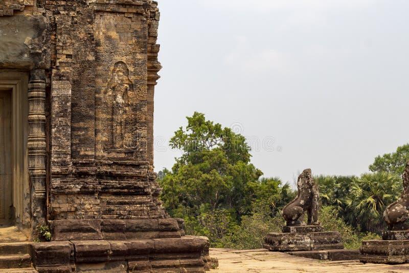 Het oude tempelsteen snijden in Angkor Wat Prerup-tempelmening van hoogste niveau Boeddhistische of Hindoese tempel stock afbeelding