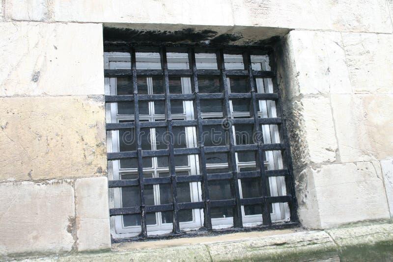 Download Het Oude Venster Van De Gevangenis Stock Afbeelding - Afbeelding bestaande uit detentie, versperd: 289729