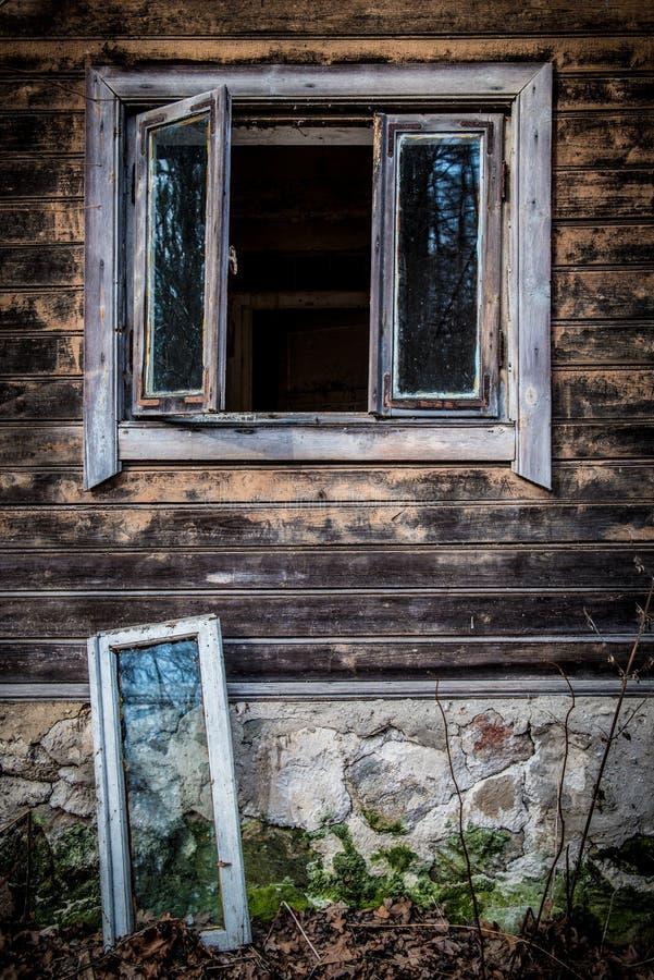 Het oude Venster van het Huis stock foto