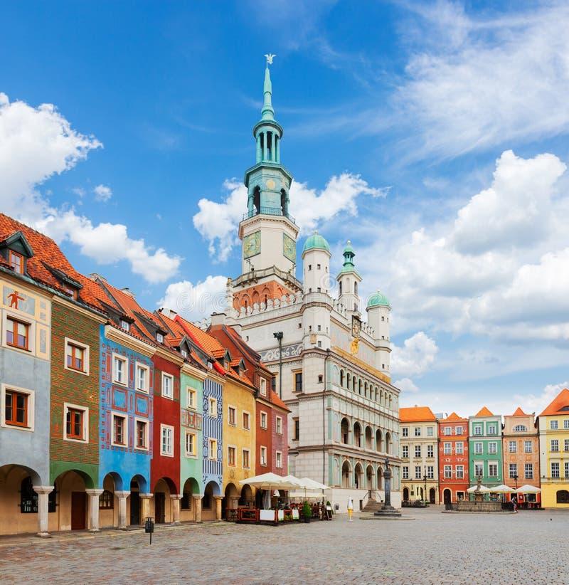 Het oude Vierkant van de Markt in Poznan, Polen stock fotografie