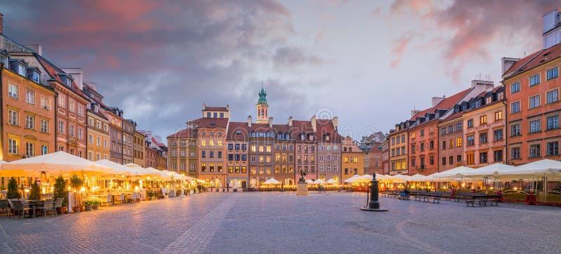 Het oude Vierkant van de Stad in Warshau, Polen stock foto