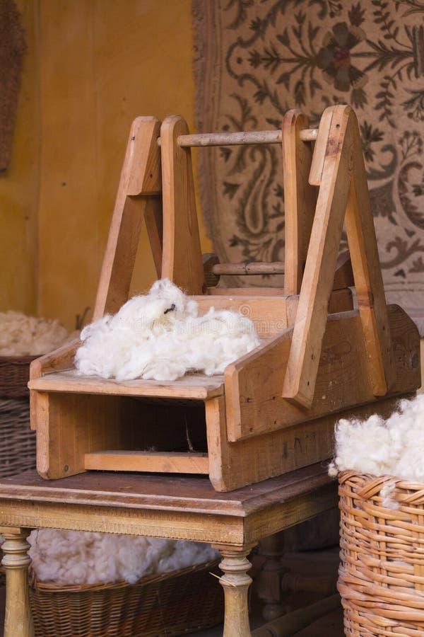 Het oude weefgetouw weven stock afbeelding