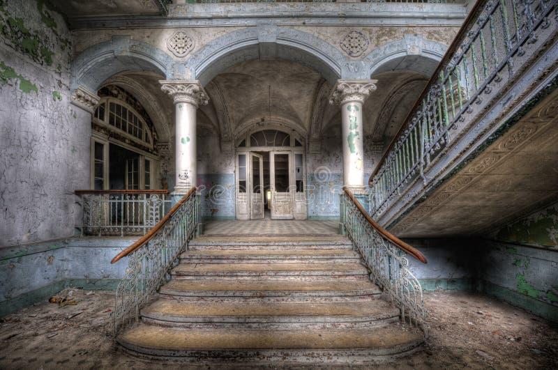 Het oude ziekenhuis in Beelitz stock fotografie