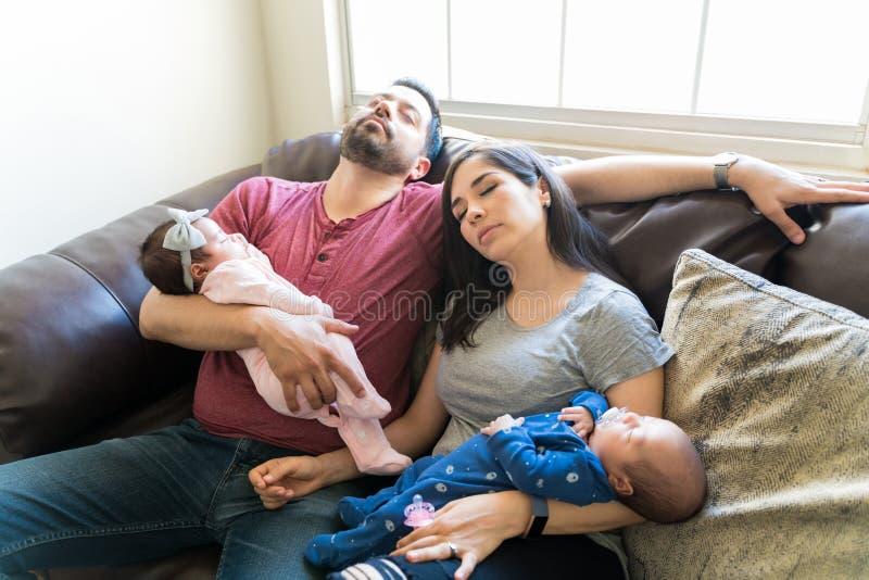 Het ouderschap kan Uitputtend zijn royalty-vrije stock foto