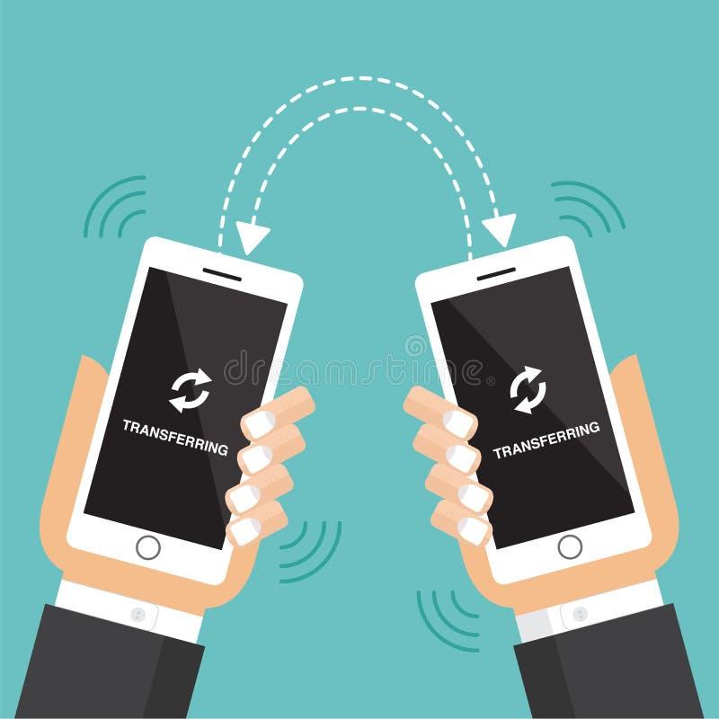 Het overbrengen van gegevens met mobiele telefoon royalty-vrije stock afbeeldingen