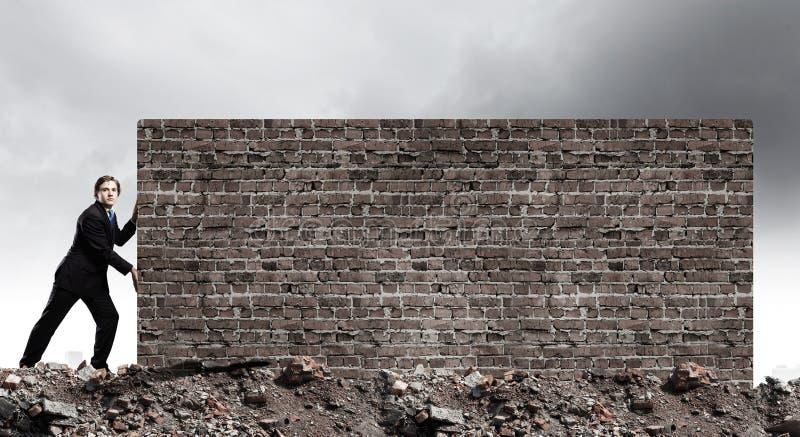 Het overbruggen van barrières stock afbeelding