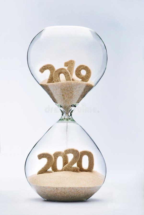Het overgaan in Nieuwjaar 2020 royalty-vrije stock fotografie