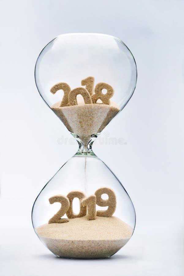Het overgaan in Nieuwjaar 2019 royalty-vrije stock afbeeldingen