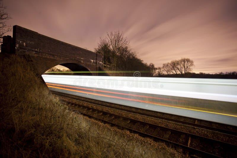 Het overgaan van de trein stock fotografie