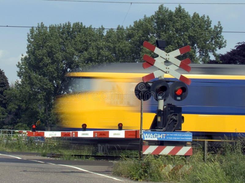 Het overgaan van trein 1 stock foto's