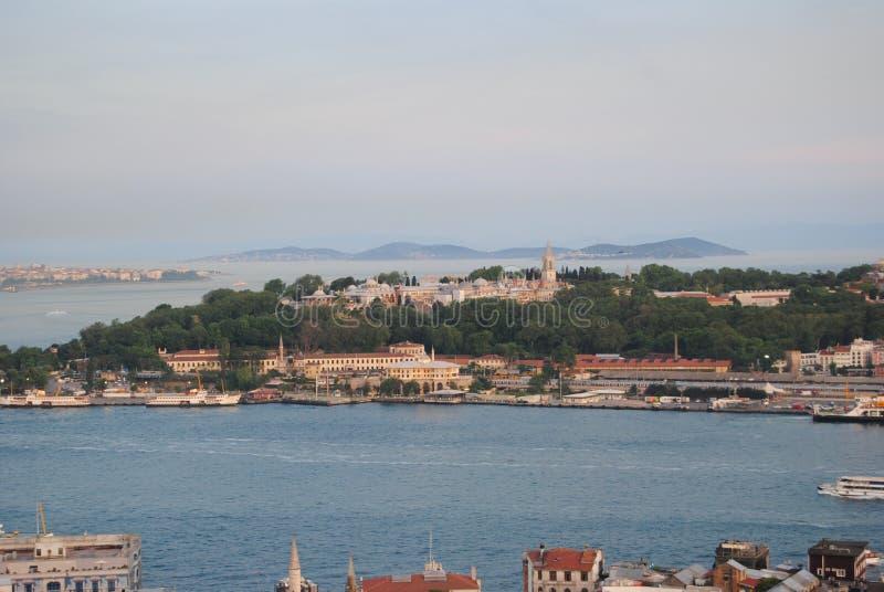 Het overzees Istanboel Turkije van Marmara van het Topkapıpaleis stock afbeeldingen