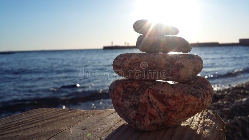 Het overzees is in volledige rust Rust op het ochtendoverzees stock fotografie