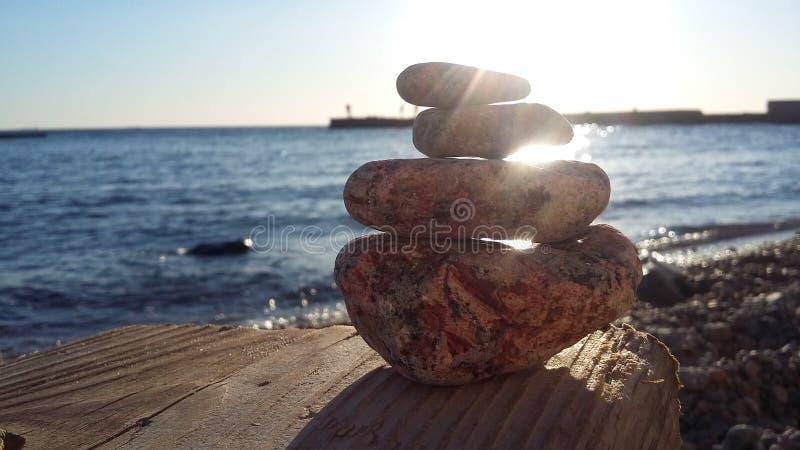 Het overzees is in volledige rust Rust op het ochtendoverzees stock afbeelding