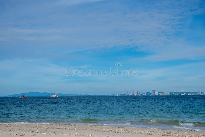 Het overzeese scape strand van Pattaya, Thailand stock afbeelding