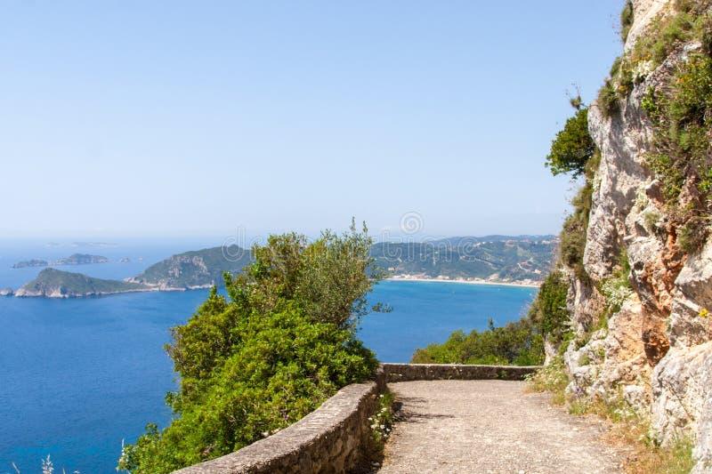 Het overzien van Agios Georgios, Korfu, Griekenland stock afbeeldingen